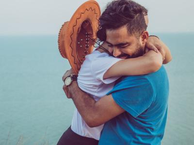 30 frases de namoro cristão que ajudam a edificar a união em Cristo