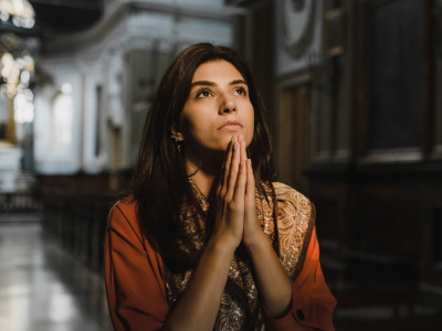 60 frases bíblicas de gratidão para louvar e bendizer a Deus