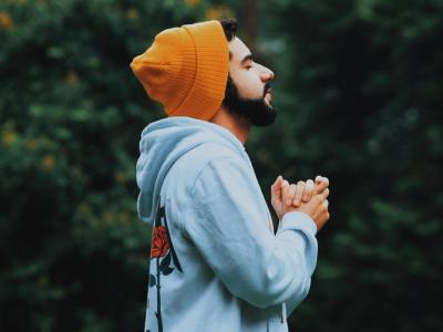 30 frases sobre o poder da oração para testemunhar sua fé