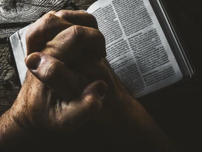 50 frases de oração de proteção para entregar sua vida a Deus