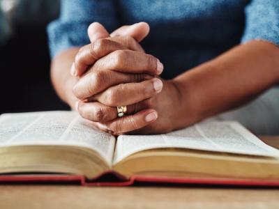 25 versículos de consolo para acalentar o coração
